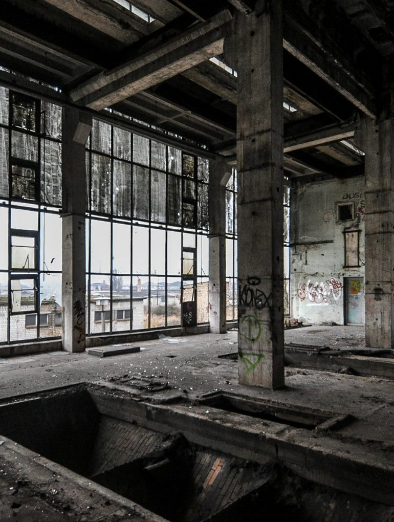 glass window heizhaus heating plant abandoned urbex lost places berlin germany