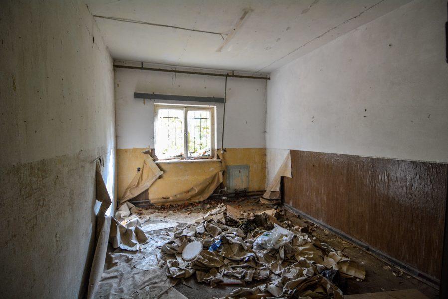destroyed room oranienburg kz sachsenhausen nazi ss germany barracks ss Hundertschaftsgebaeude lost places abandoned urbex urban exploring