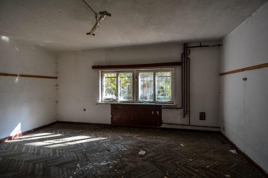empty room oranienburg kz sachsenhausen nazi ss germany barracks ss Hundertschaftsgebaeude lost places abandoned urbex urban exploring