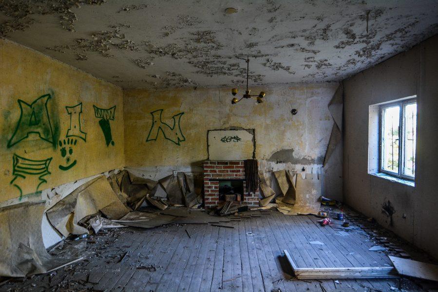 fireplace oranienburg kz sachsenhausen nazi ss germany barracks ss Hundertschaftsgebaeude lost places abandoned urbex urban exploring