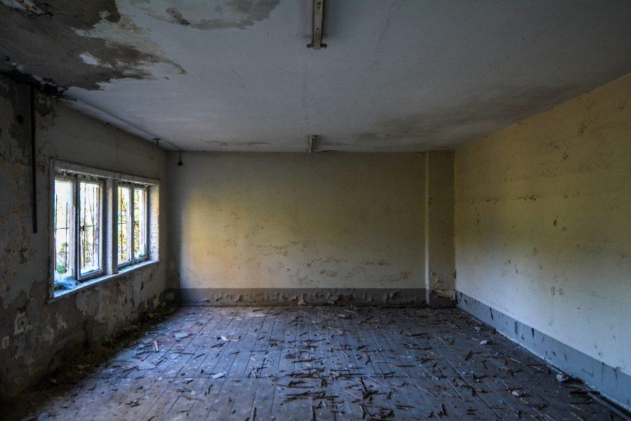 wood floors oranienburg kz sachsenhausen nazi ss germany barracks ss Hundertschaftsgebaeude lost places abandoned urbex urban exploring