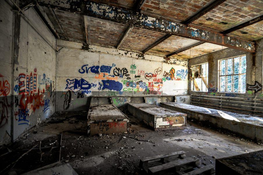 abandond soviet garage eberswalde artillerie kaserne soviet artillery barracks brandenburg lost places urbex abandoned germany