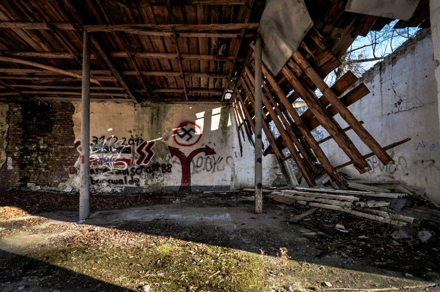 derelict soviet artillery garage eberswalde artillerie kaserne soviet artillery barracks brandenburg lost places urbex abandoned germany