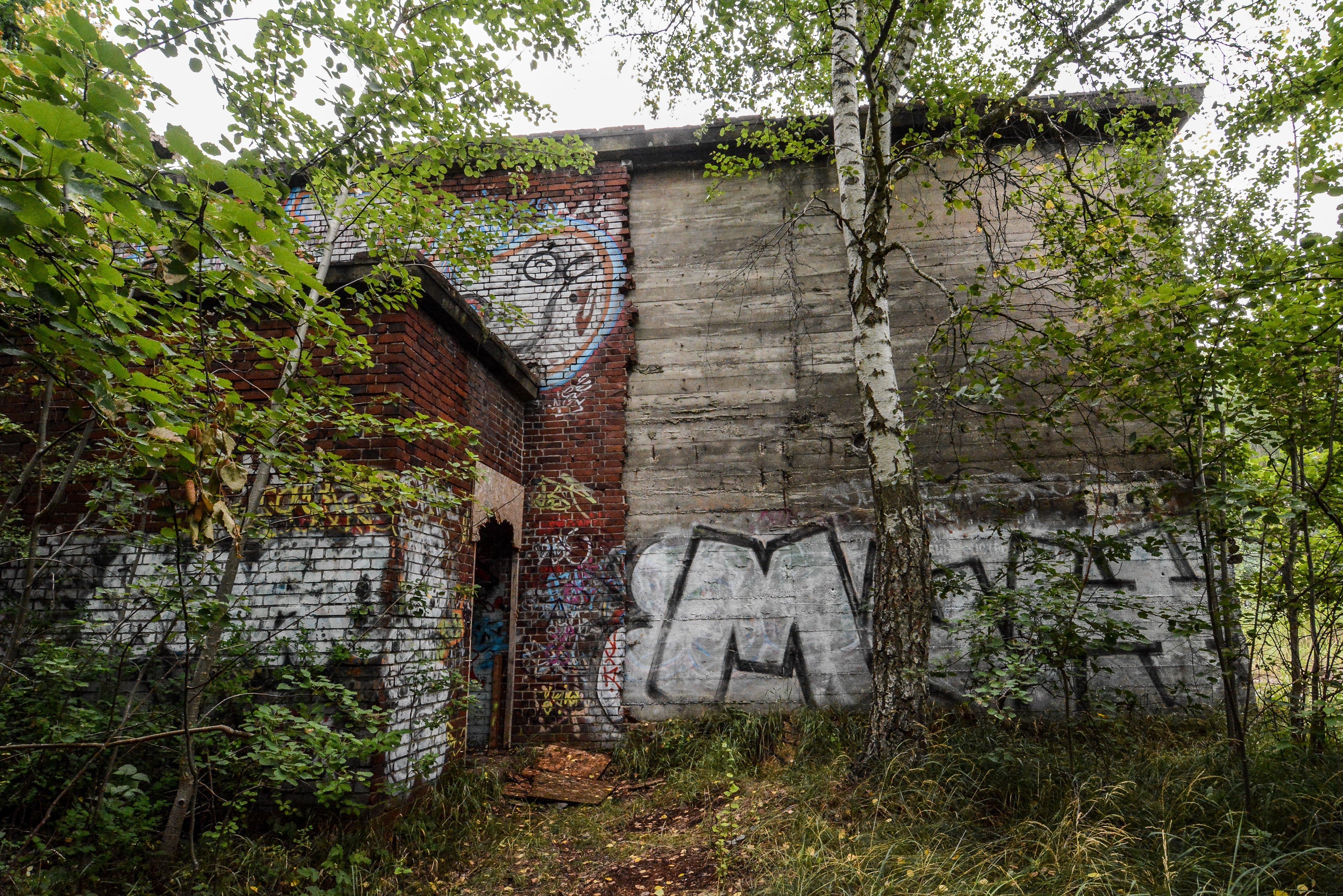 front view versuchsstelle fuer hoehenfluege nazi bunker WWII abandoned lost places urbex oranienburg brandenburg germany