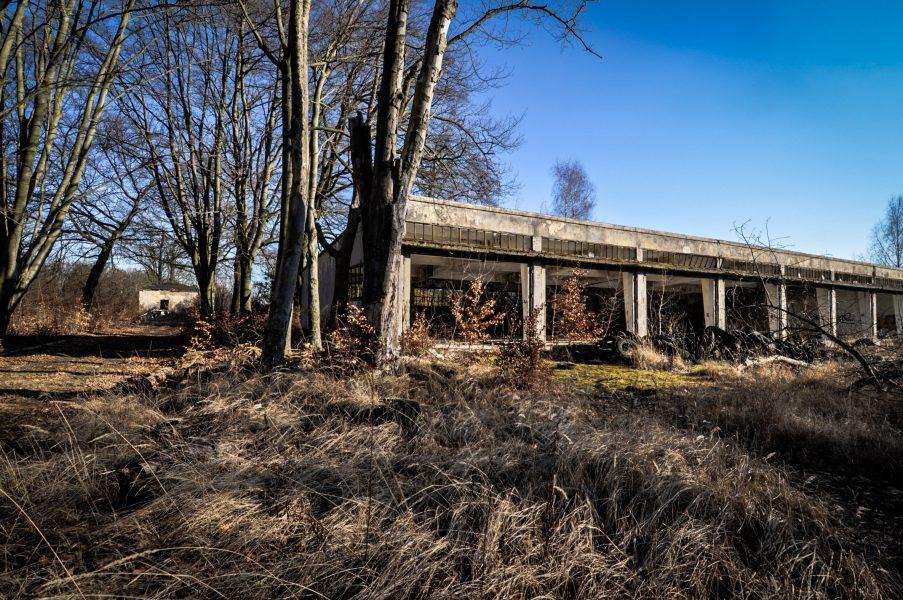 nazi soviet military garage tank eberswalde artillerie kaserne soviet artillery barracks brandenburg lost places urbex abandoned germany