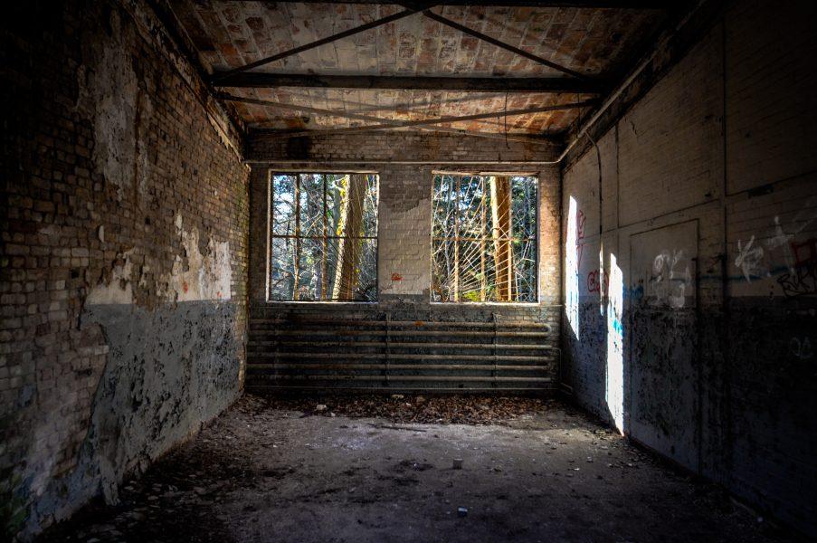 ray window gates soviet military eberswalde artillerie kaserne soviet artillery barracks brandenburg lost places urbex abandoned germany