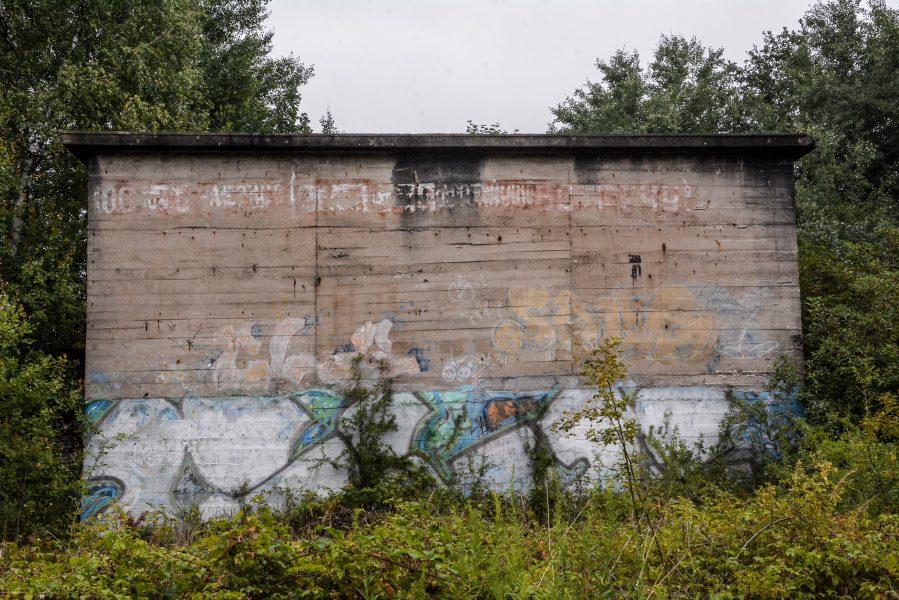 side view soviet graffiti versuchsstelle fuer hoehenfluege nazi bunker WWII abandoned lost places urbex oranienburg brandenburg germany
