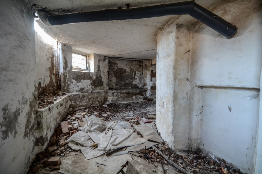 abandoned villa cellar winterquartier staatszirkus ddr lost places berlin urban exploring abandoned urbex germany