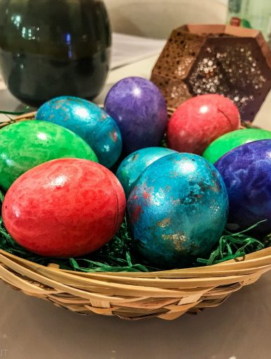 german colored easter eggs