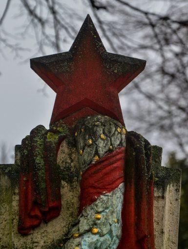 sowjetisches ehrenmal staaken soviet war memorial staaken berlin germany deutschland koenigstein preussen rotern stern red star