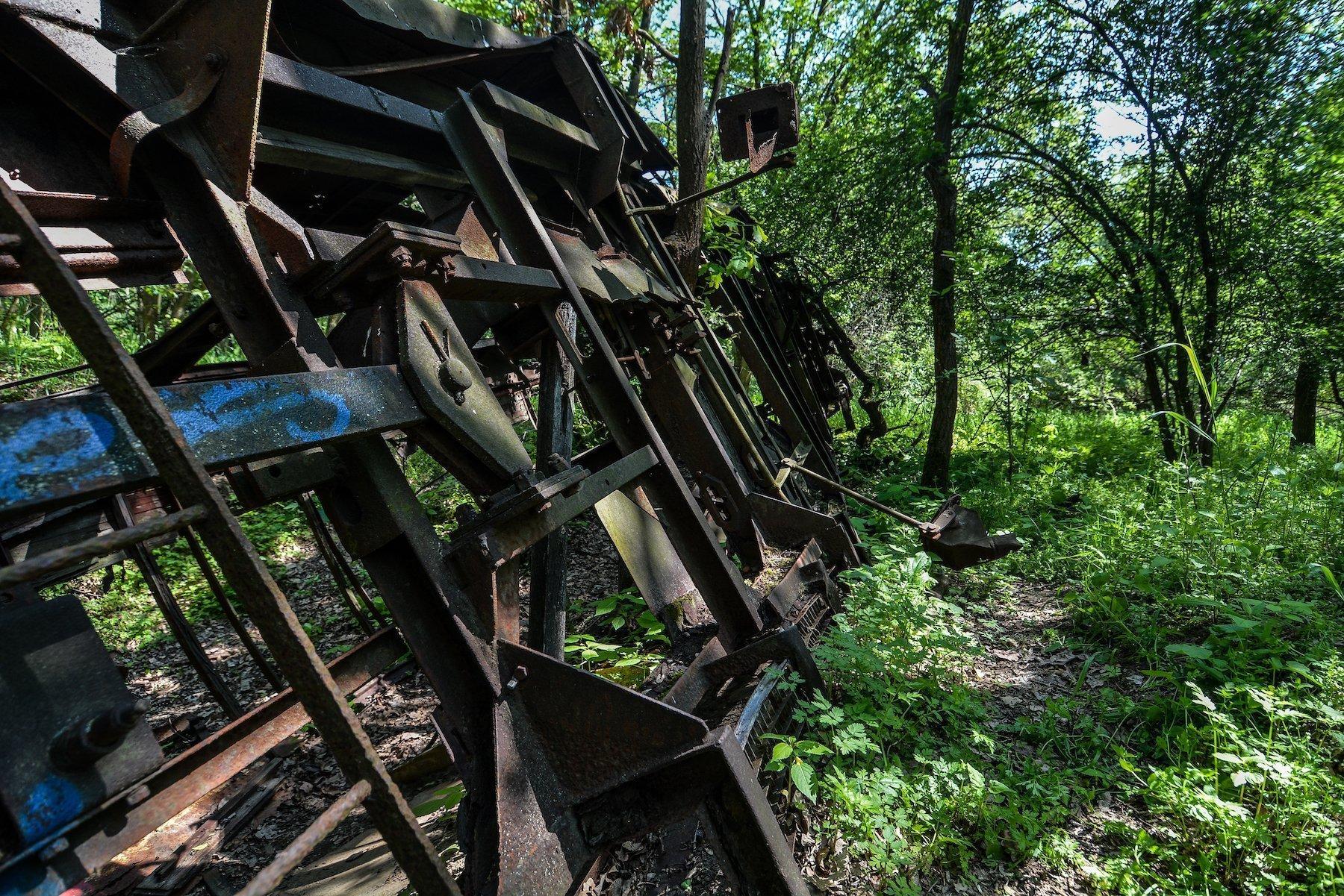 rusting abandoned tram strassenbahn brandenburg dallgow doeberitz potsdam abandoned urbex lost places germany deutschland