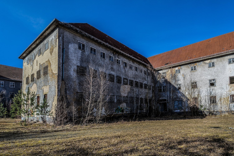 abandoned military building nazi soviet military base abandoned urbex urban exploring loewen adler kaserne elstal wustermark roter stern kaserne germany lost places