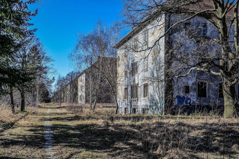 abandoned military buildings nazi soviet military base abandoned urbex urban exploring loewen adler kaserne elstal wustermark roter stern kaserne germany lost places