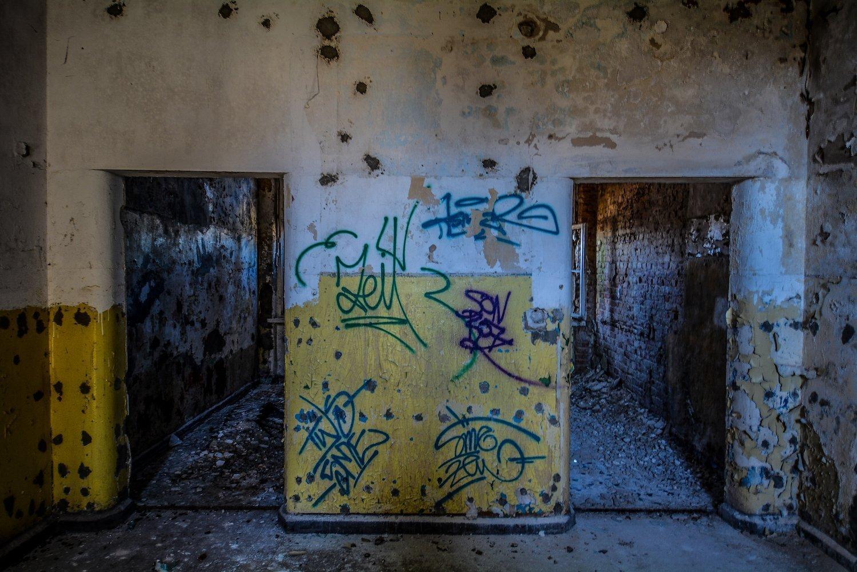 doorways nazi soviet military base abandoned urbex urban exploring loewen adler kaserne elstal wustermark roter stern kaserne germany lost places
