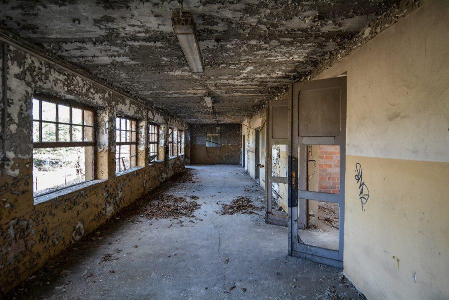 hallway reichsbahn rangierbahnhof wustermark train yard elstal berlin lost places abandoned urbex brandenburg
