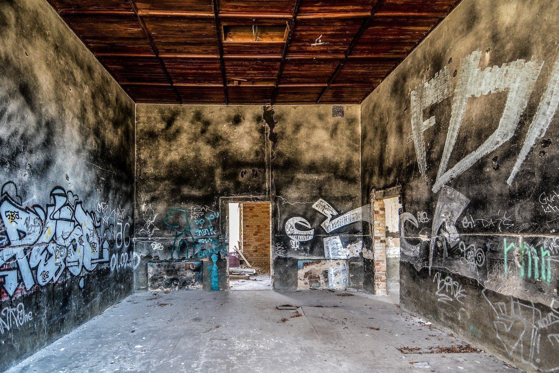 officers casino room nazi soviet military base abandoned urbex urban exploring loewen adler kaserne elstal wustermark roter stern kaserne germany lost places