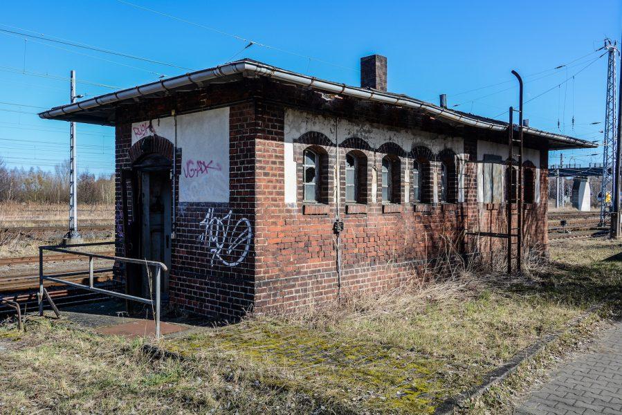 signal building reichsbahn rangierbahnhof wustermark train yard elstal berlin lost places abandoned urbex brandenburg