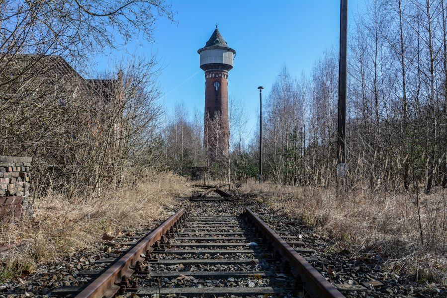 water tower train tracks rangierbahnhof wustermark train yard elstal berlin lost places abandoned urbex brandenburg