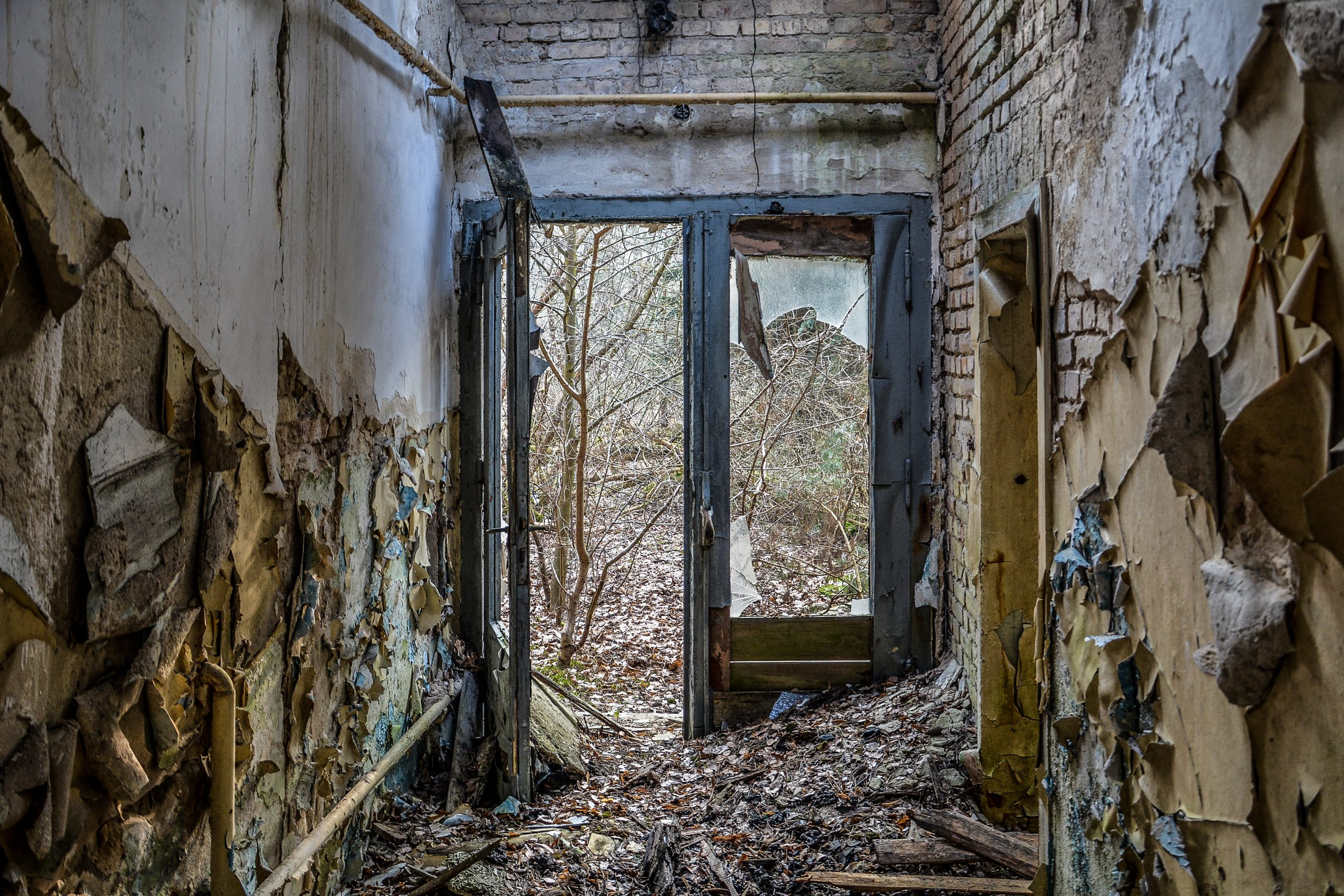 blocked door tuer forst zinna adolf hitler lager luckenwalde juterbog sowjet kaserne soviet military barracks germany lost places urbex abandoned