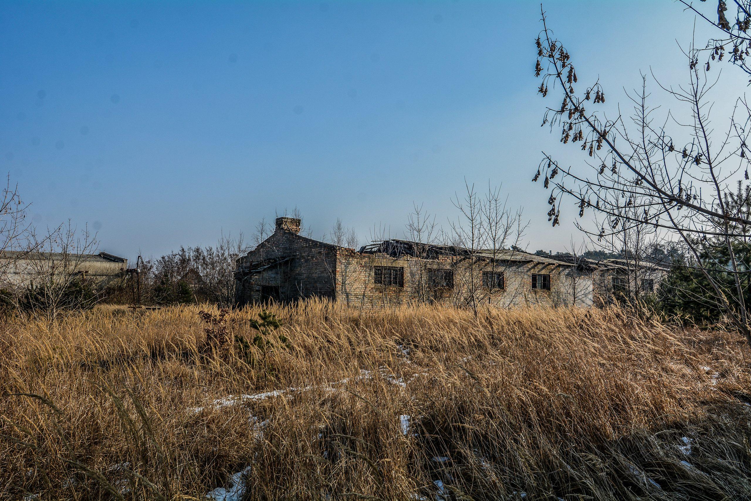 collapsed garage forst zinna adolf hitler lager luckenwalde juterbog sowjet kaserne soviet military barracks germany lost places urbex abandoned