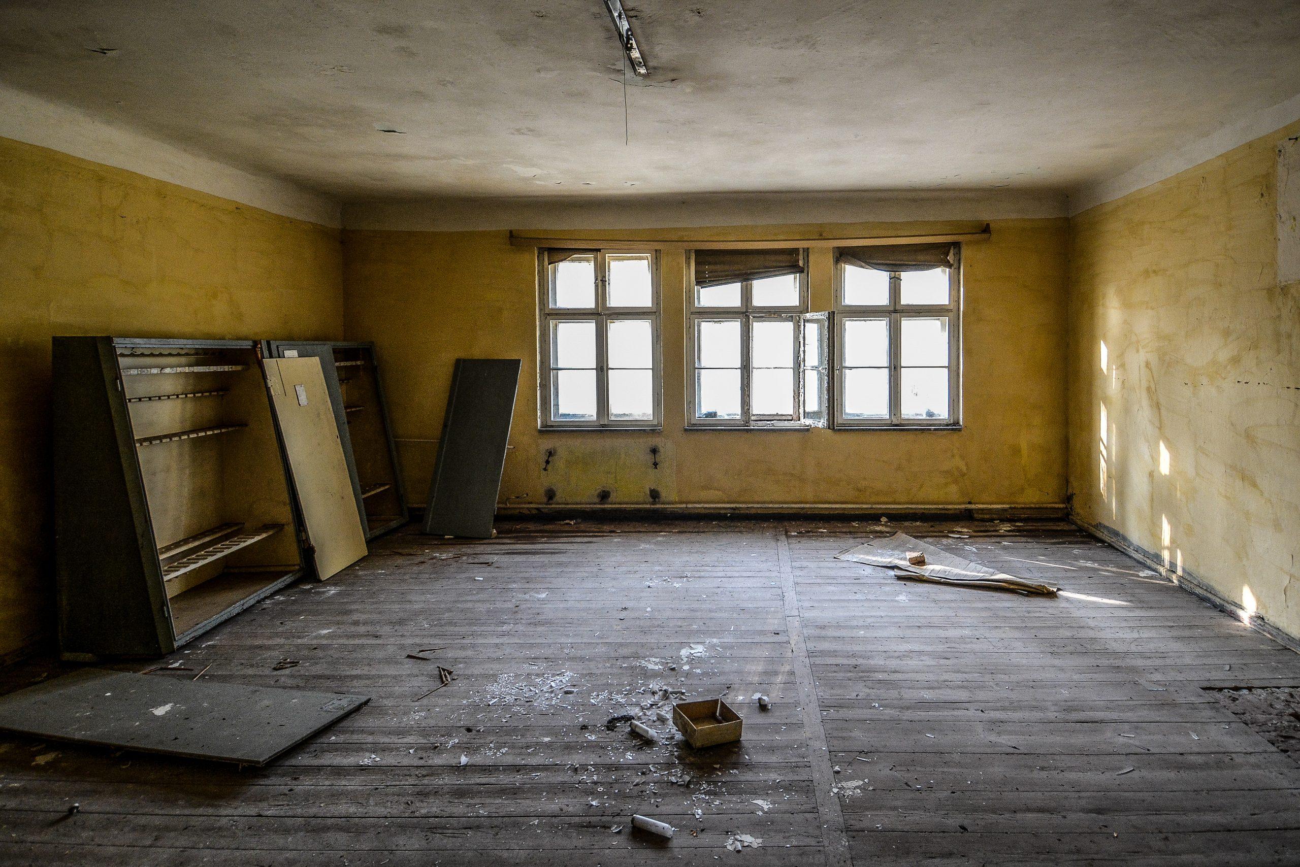 empty soviet weapons storage forst zinna adolf hitler lager luckenwalde juterbog sowjet kaserne soviet military barracks germany lost places urbex abandoned