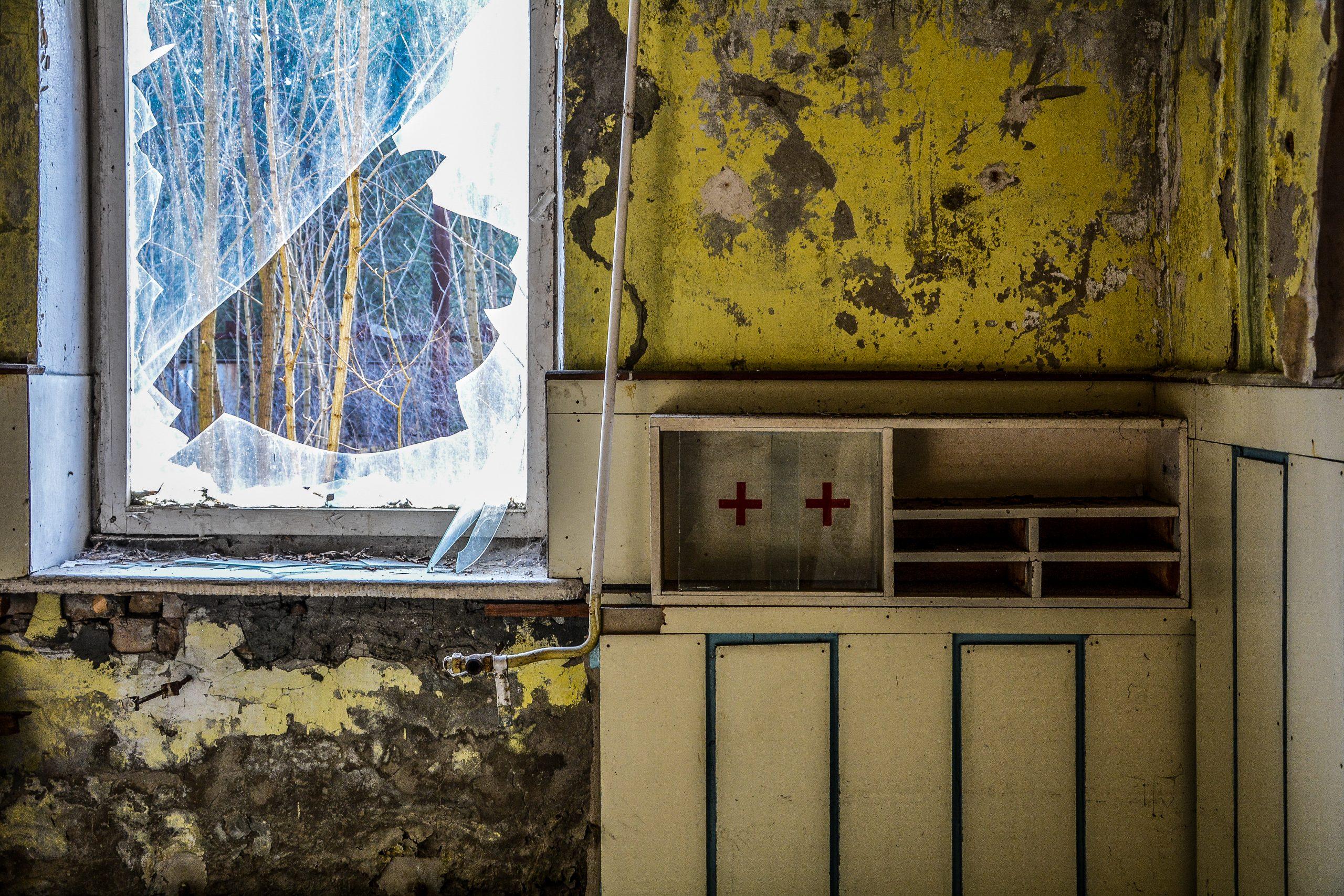 first aid case forst zinna adolf hitler lager luckenwalde juterbog sowjet kaserne soviet military barracks germany lost places urbex abandoned