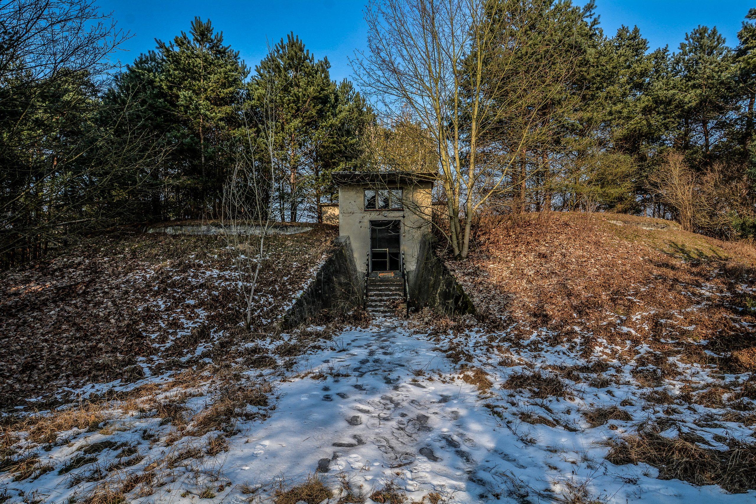 munitions bunker entrance forst zinna adolf hitler lager luckenwalde juterbog sowjet kaserne soviet military barracks germany lost places urbex abandoned