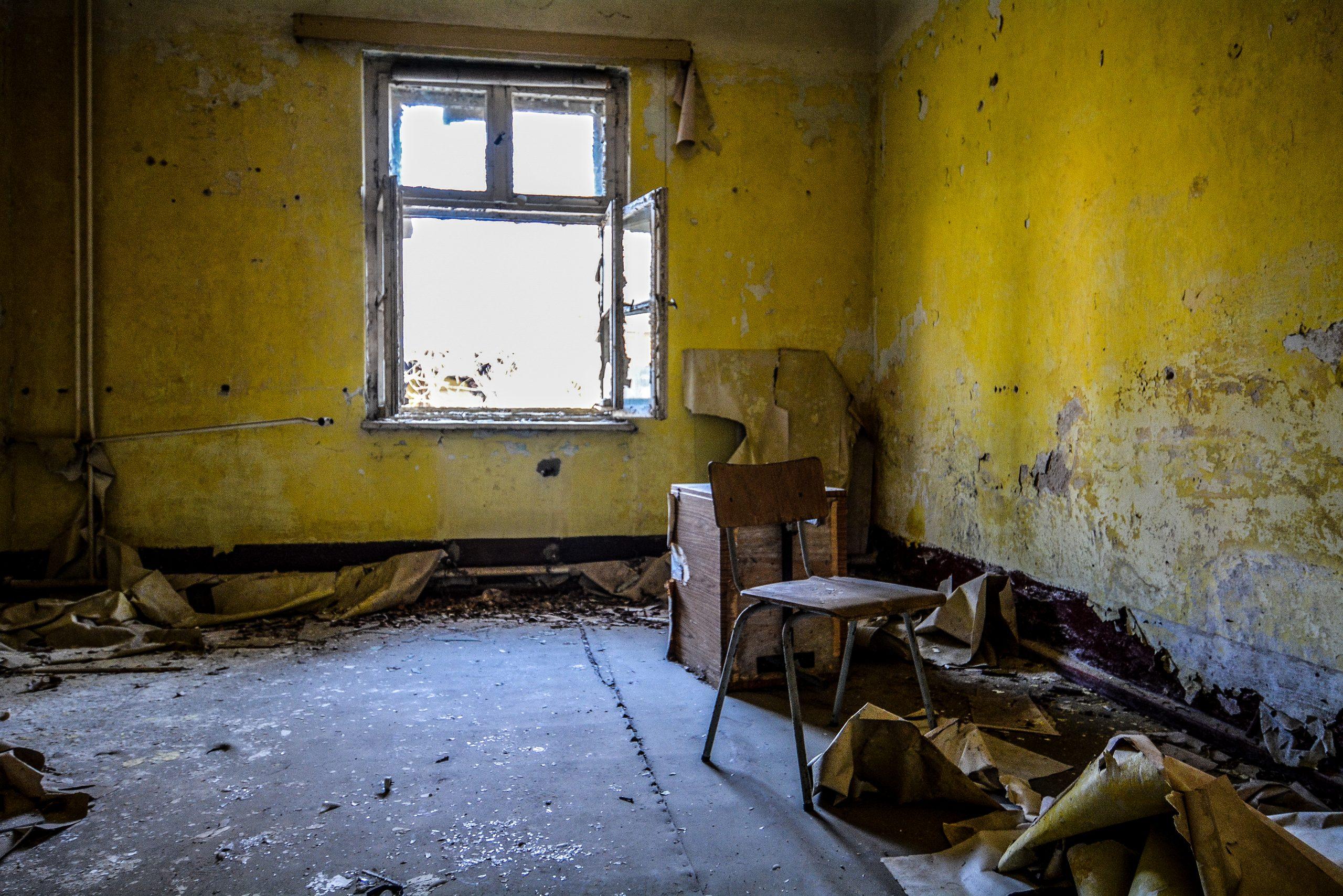 office chair forst zinna adolf hitler lager luckenwalde juterbog sowjet kaserne soviet military barracks germany lost places urbex abandoned