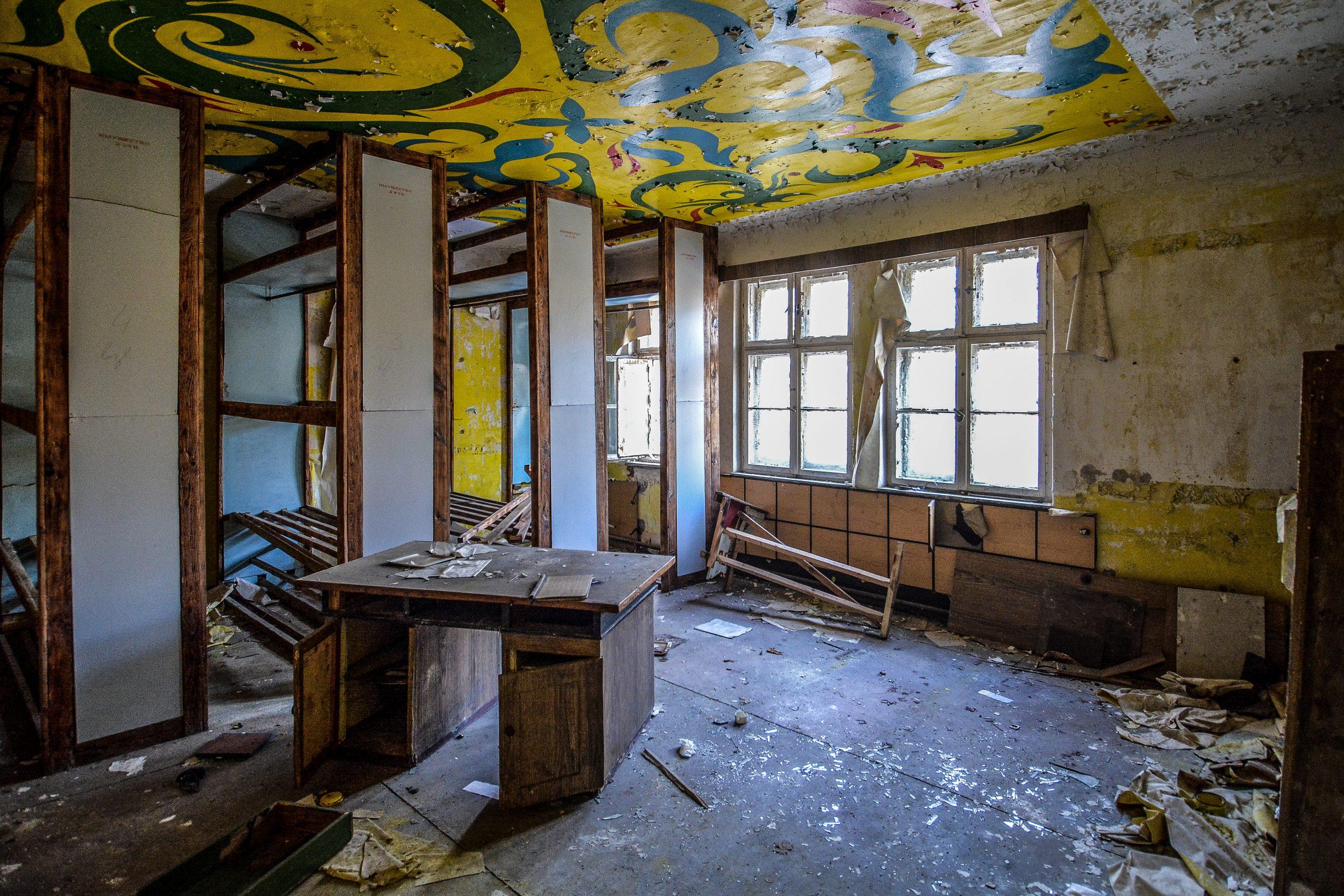 red army storage room forst zinna adolf hitler lager luckenwalde juterbog sowjet kaserne soviet military barracks germany lost places urbex abandoned