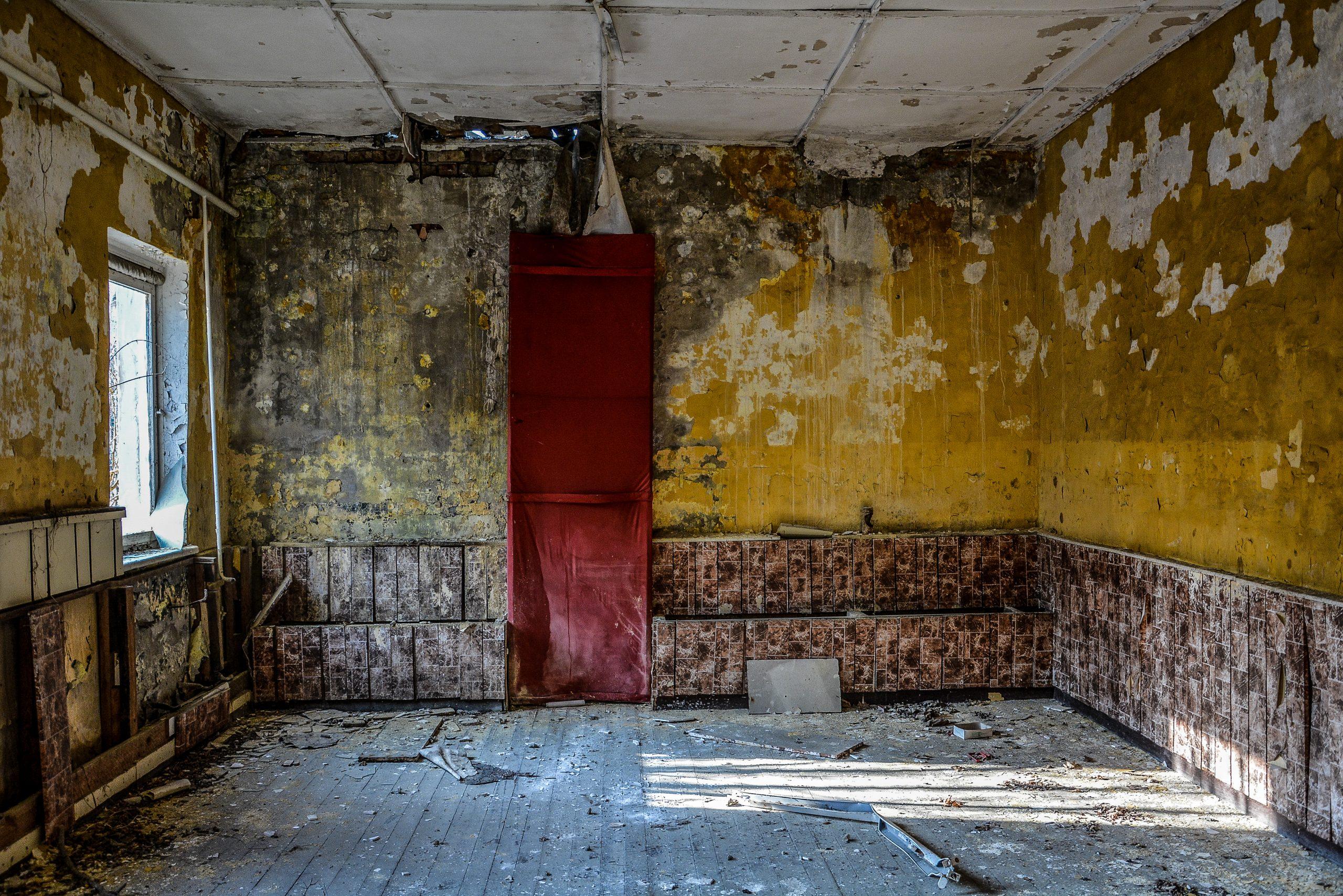red banner room forst zinna adolf hitler lager luckenwalde juterbog sowjet kaserne soviet military barracks germany lost places urbex abandoned