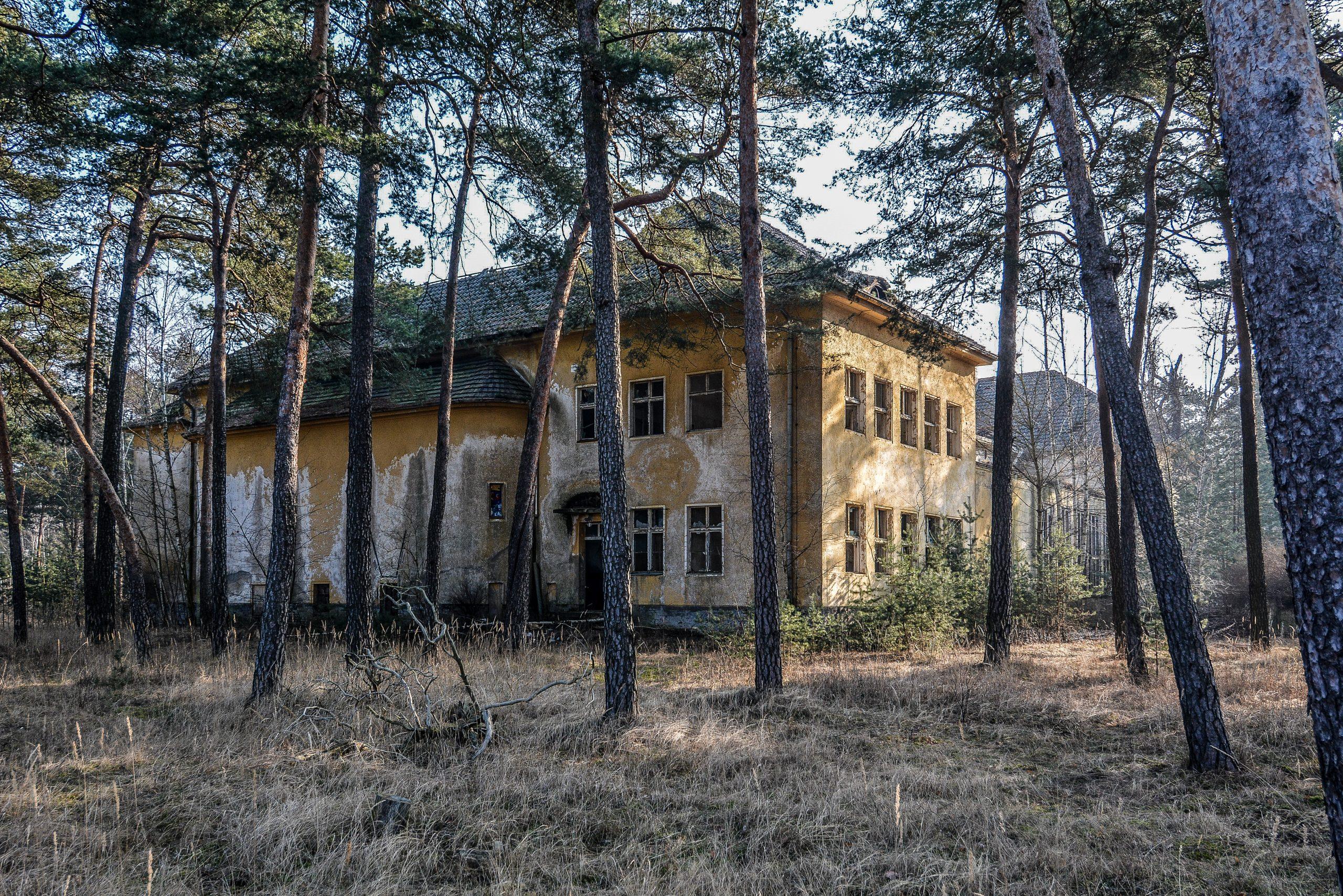 theater forst zinna adolf hitler lager luckenwalde juterbog sowjet kaserne soviet military barracks germany lost places urbex abandoned
