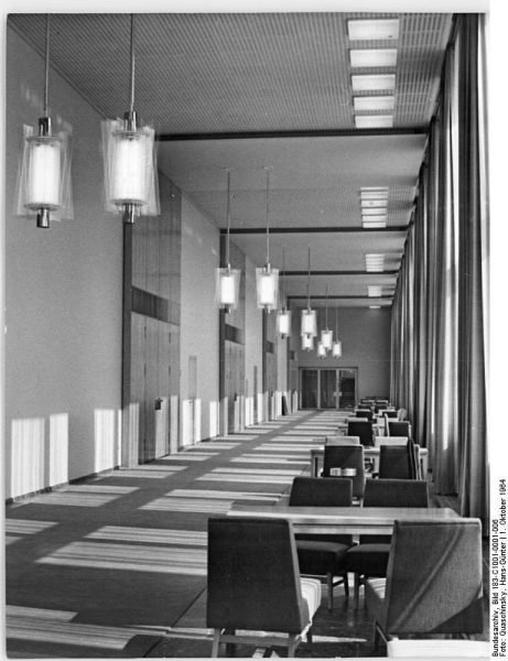 The Wandelhalle in 1964 | Bundesarchiv, Bild 183-C1001-0001-006 / CC-BY-SA 3.0