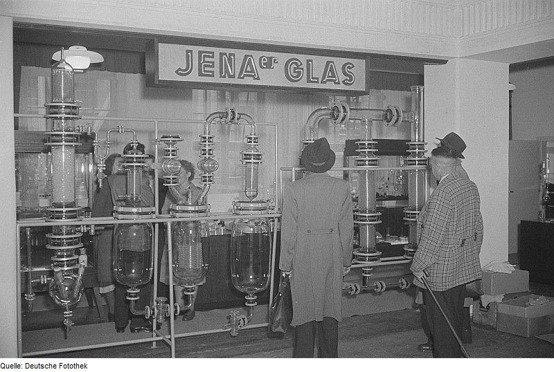 Stand von Jenaer Glas auf der Leipziger Messe (Rössing, Sep. 1952)