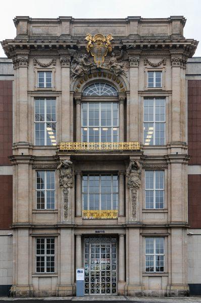 eingang entrance closeup portal v liebknechtportal staatsratsgebaeude berlin DDR state council building esmt