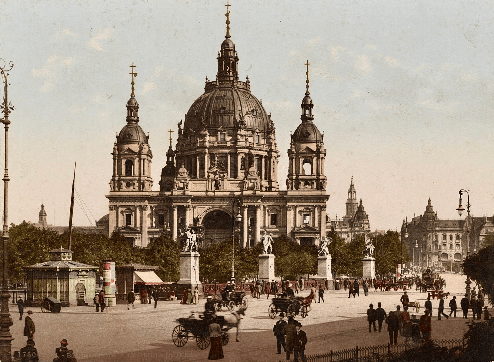 Berlin Cathedral and the Castle Bridge around 1900