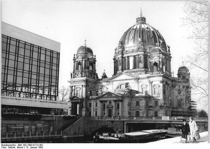 The newly restored Berliner Dom | Attribution: Bundesarchiv, Bild 183-1982-0113-301 / Settnik, Bernd / CC-BY-SA 3.0