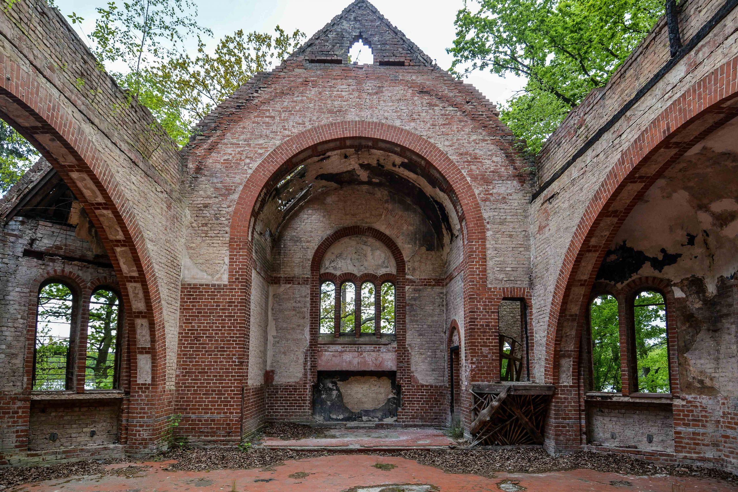 alter abandoned church tuberkulose heilstaette grabowsee sanatorium hospital oranienburg lost places abandoned urbex brandenburg germany deutschland