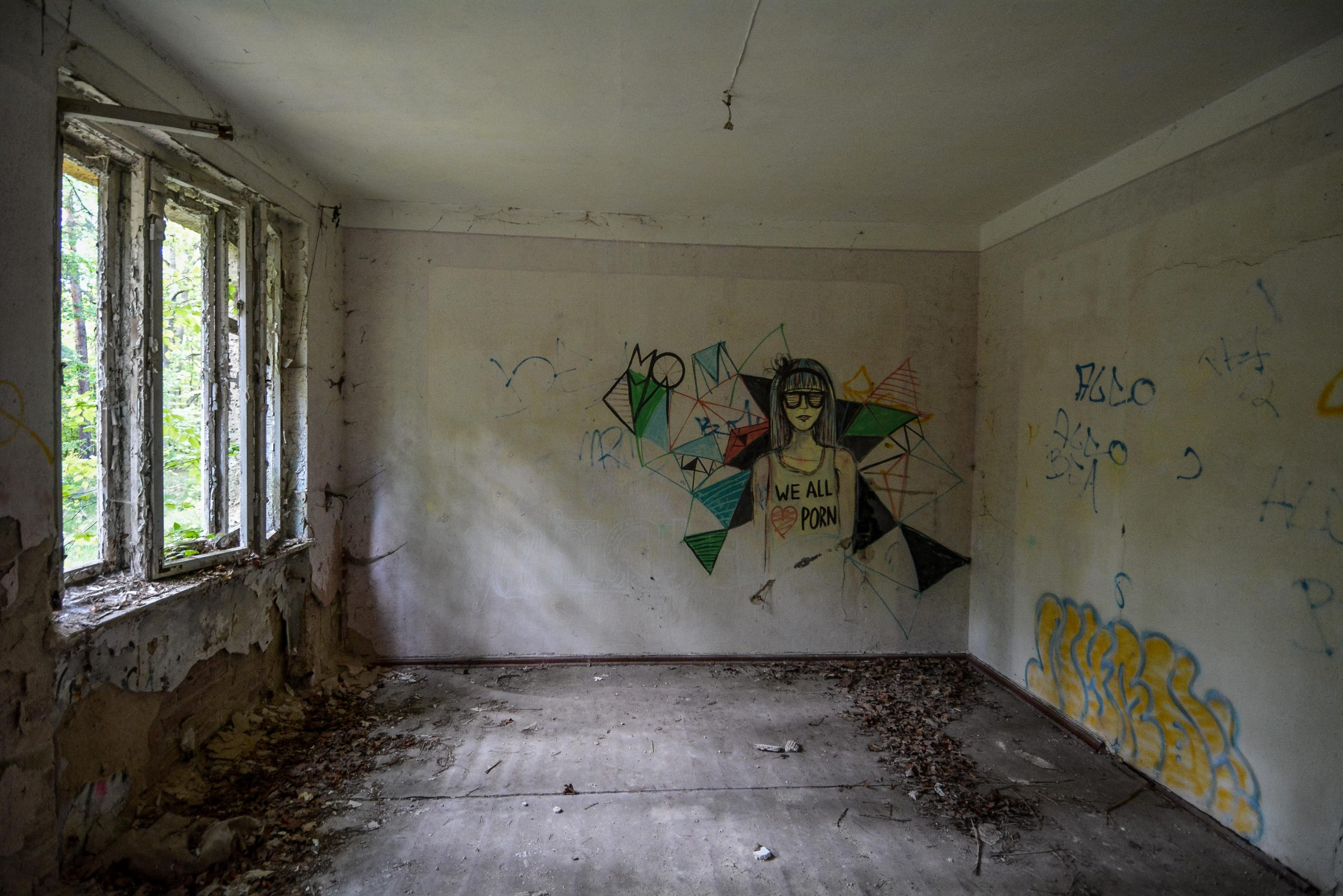 everybody loves porn graffiti tuberkulose heilstaette grabowsee sanatorium oranienburg lost places abandoned urbex brandenburg germany deutschland