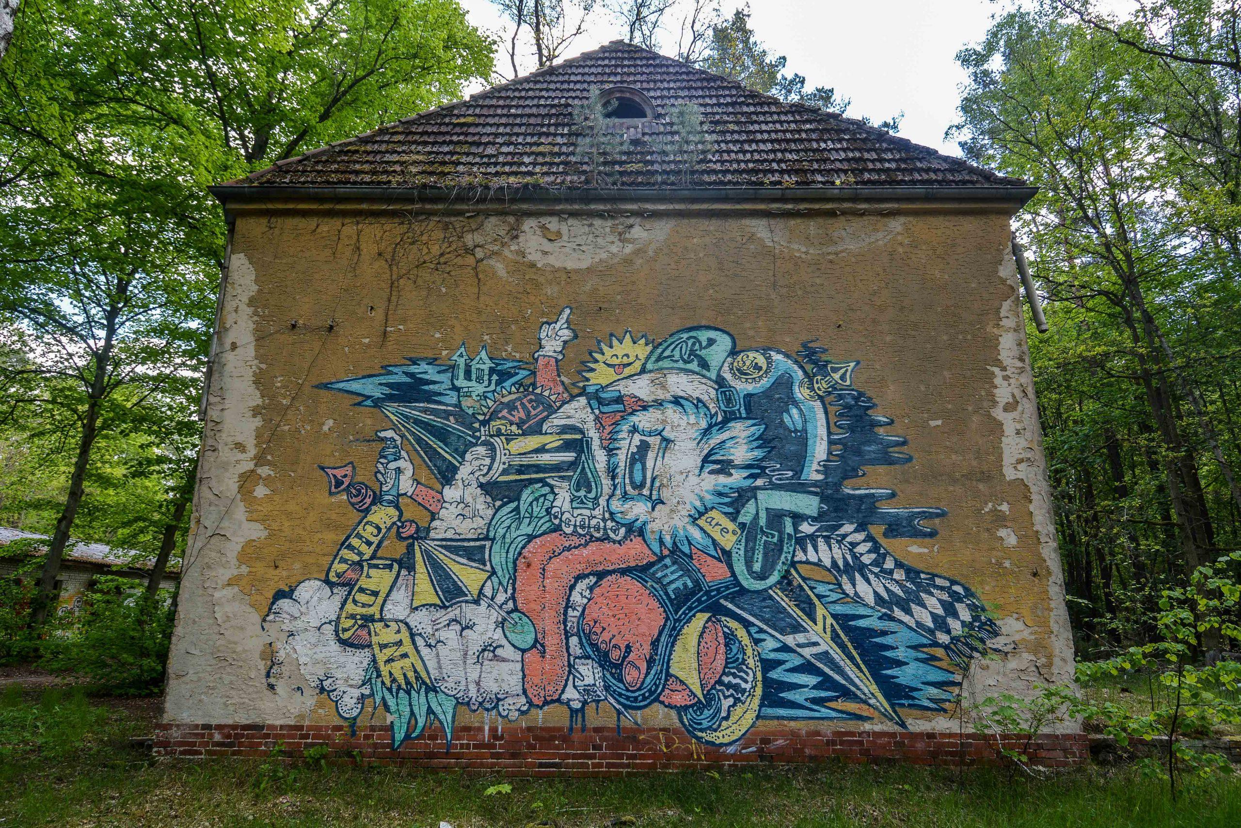 graffiti street art villa tuberkulose heilstaette grabowsee sanatorium oranienburg lost places abandoned urbex brandenburg germany deutschland