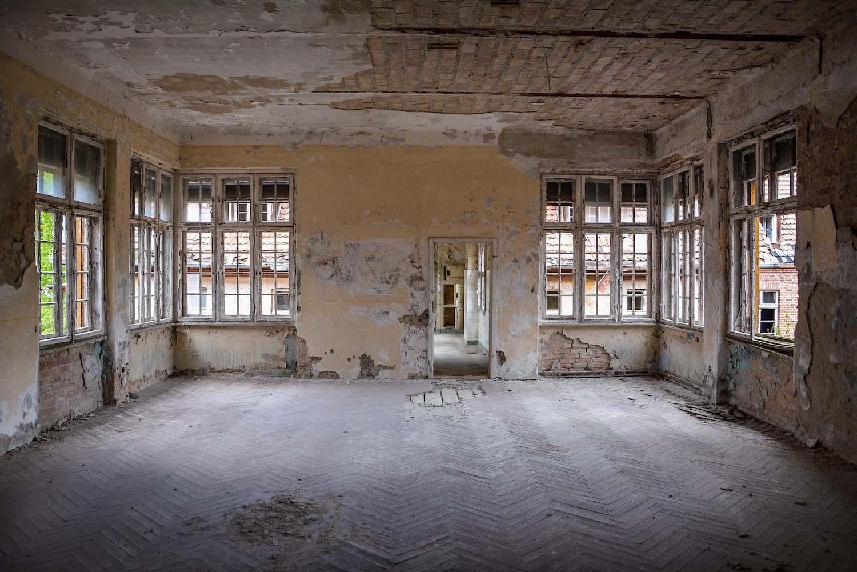 hallway room tuberkulose heilstaette grabowsee sanatorium hospital oranienburg lost places abandoned urbex brandenburg germany deutschland