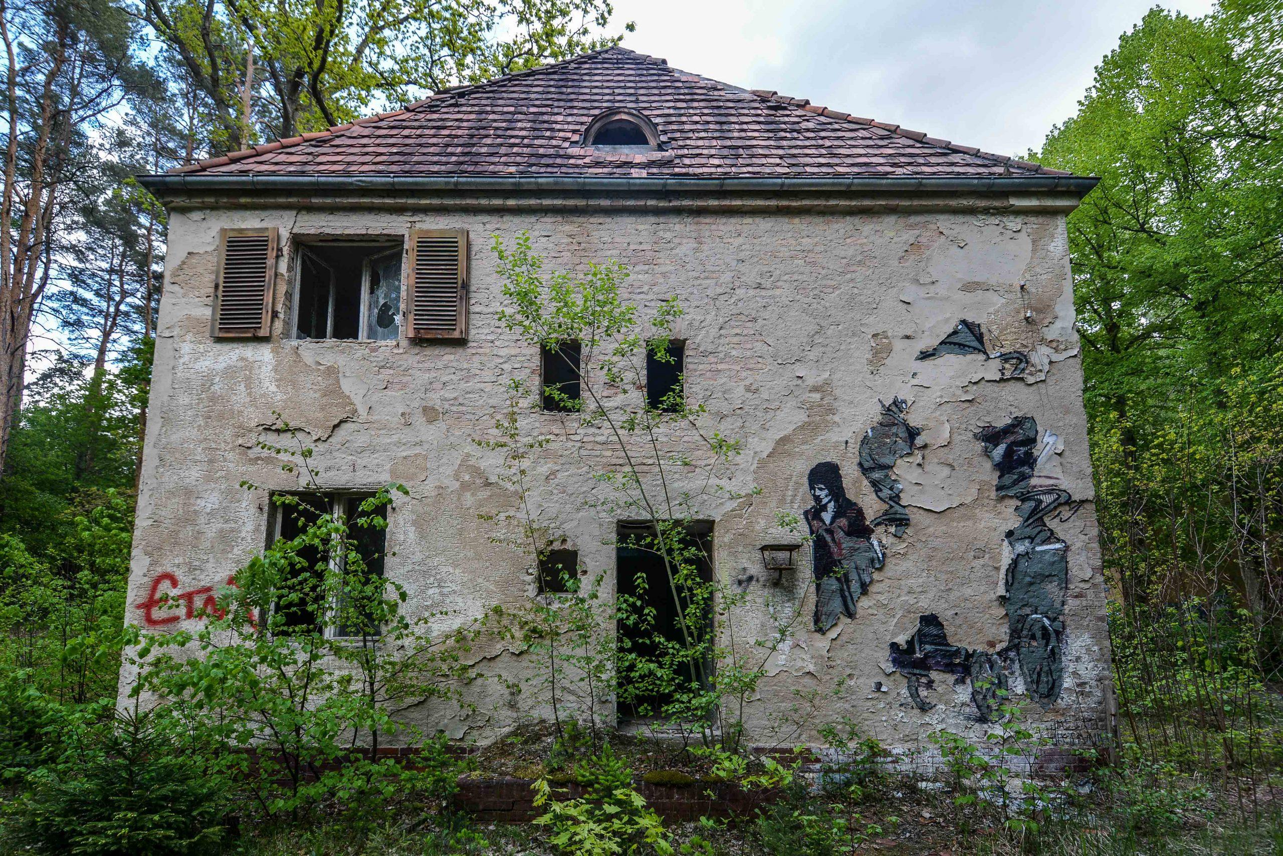 street art graffiti abandoned building tuberkulose heilstaette grabowsee sanatorium oranienburg lost places abandoned urbex brandenburg germany deutschland
