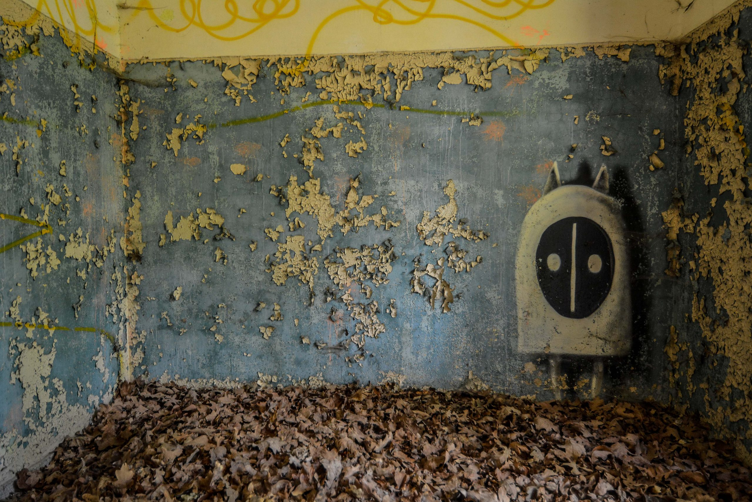 street art monster tuberkulose heilstaette grabowsee sanatorium oranienburg lost places abandoned urbex brandenburg germany deutschland