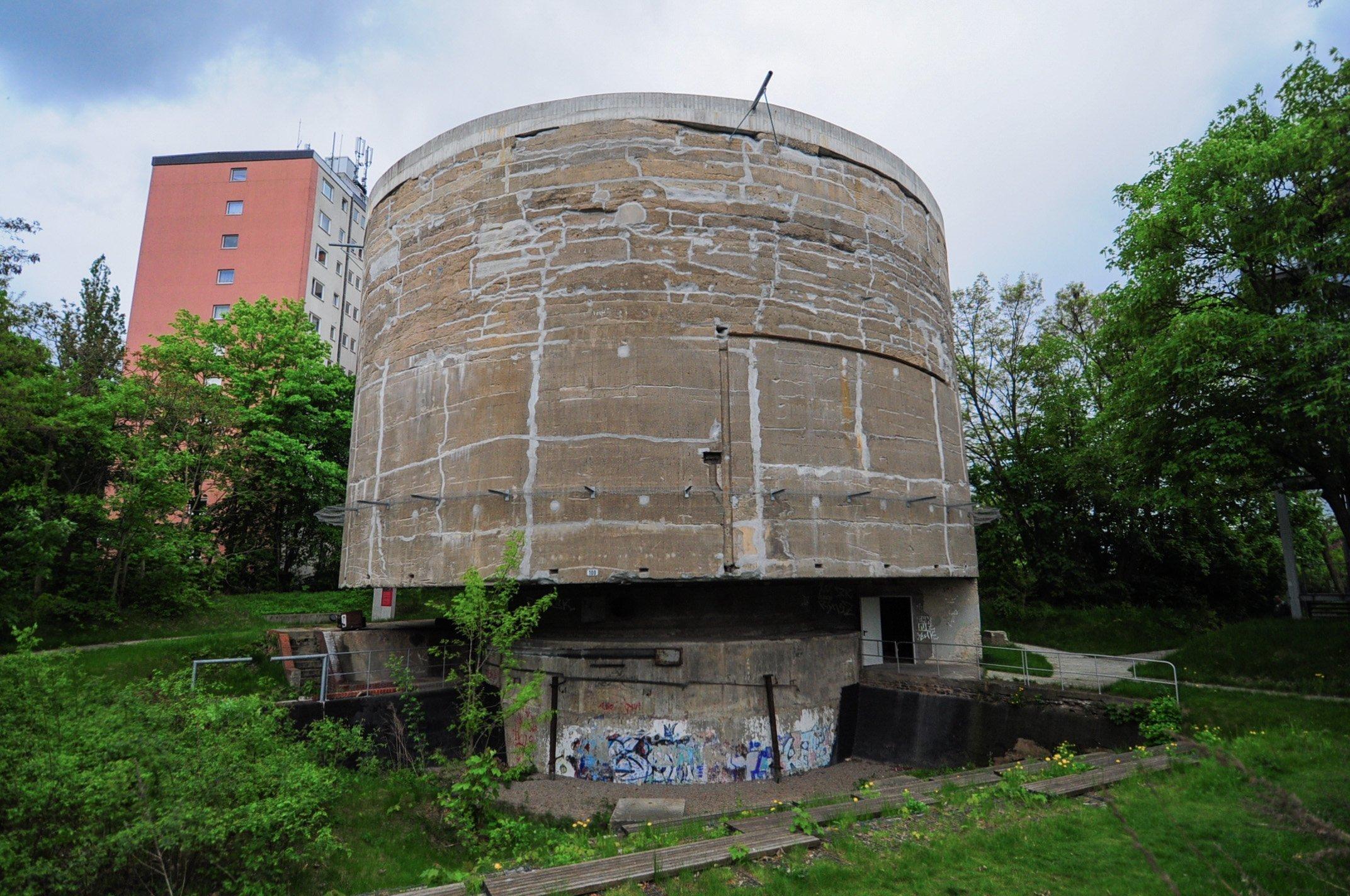 schwerbelastungskörper germania speer nazi tempelhof berlin