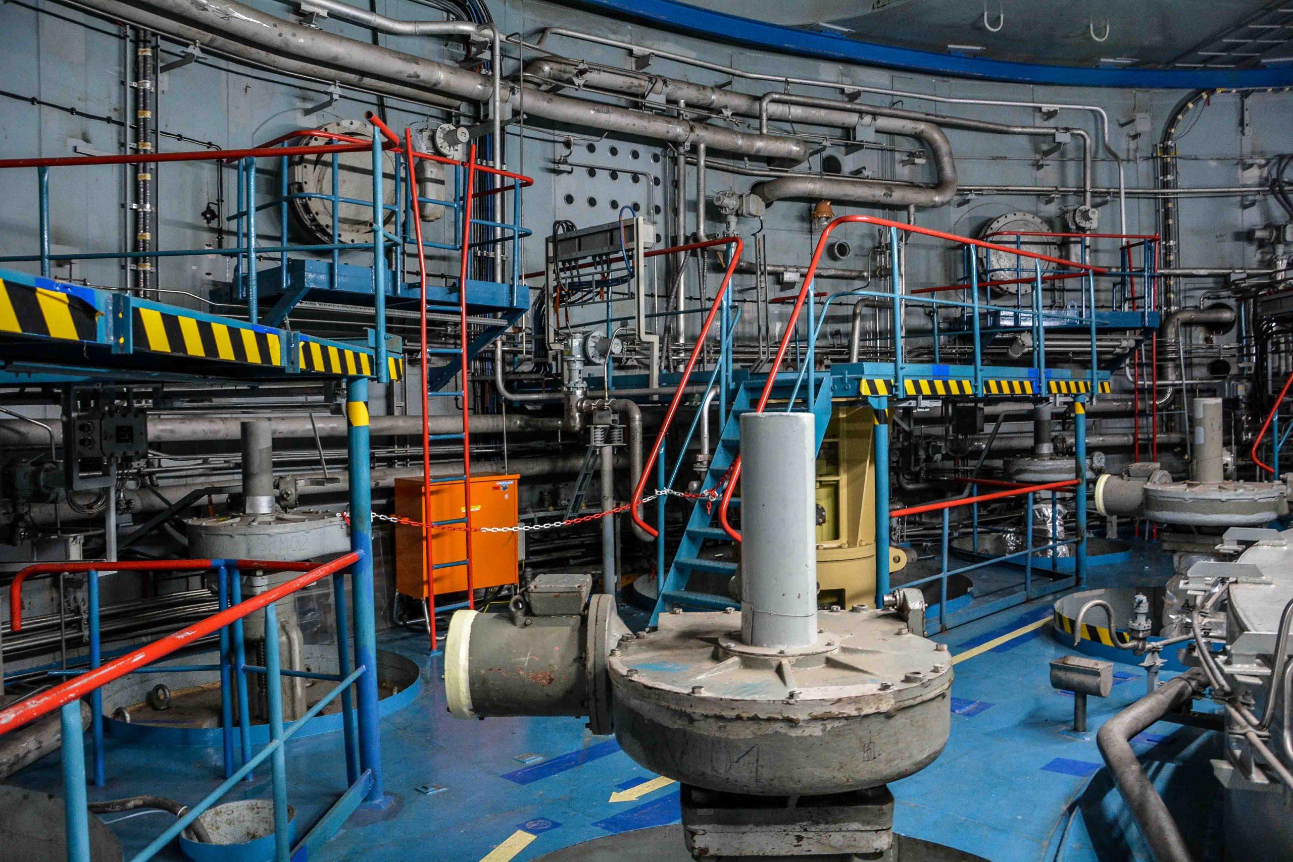 leitungen kabel kernkraftwerk greifswald nuclear powerplant ost deutschland east germany gdr DDR mecklenburg vorpommern