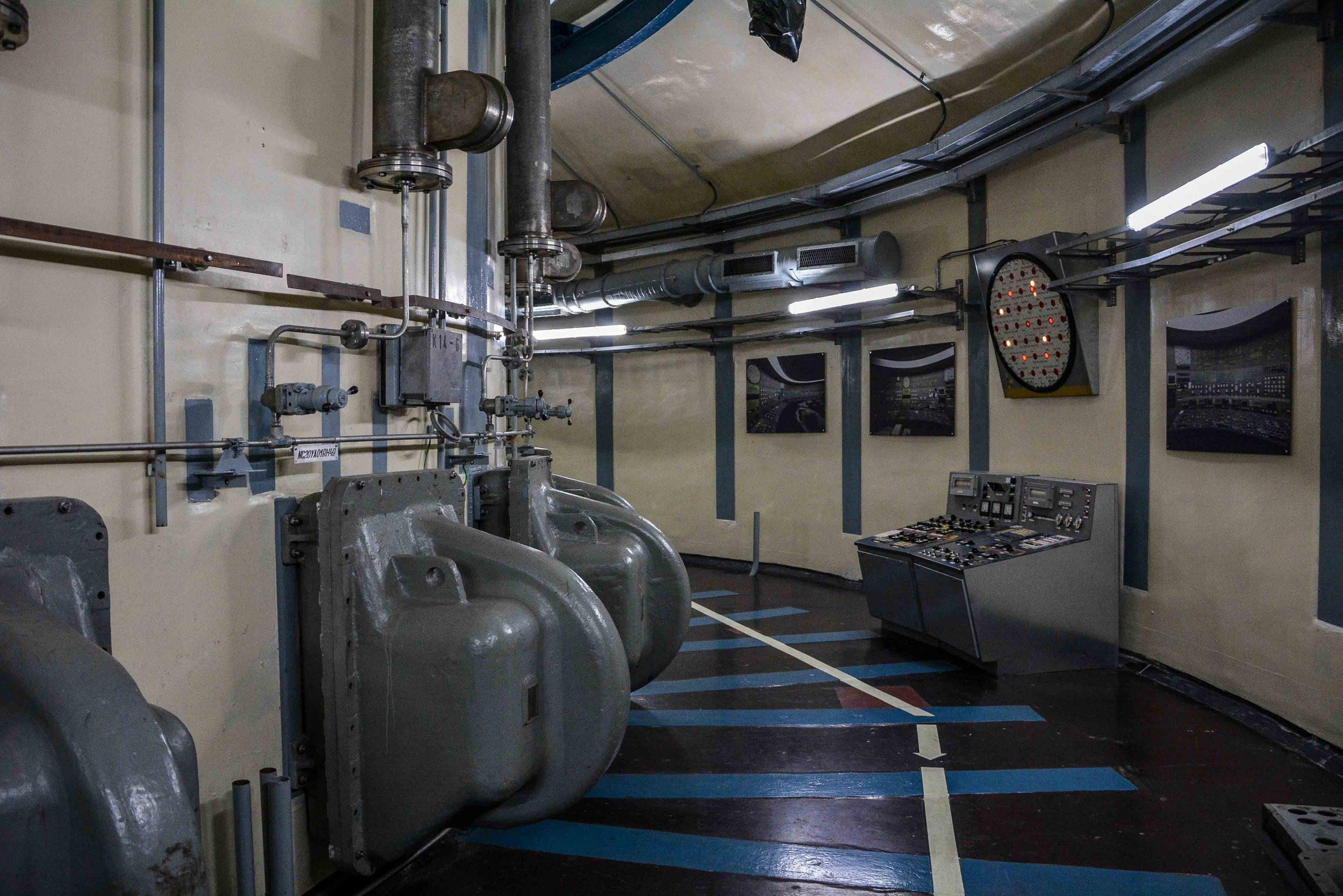 reaktor pult gang kernkraftwerk greifswald nuclear powerplant ost deutschland east germany gdr DDR mecklenburg vorpommern