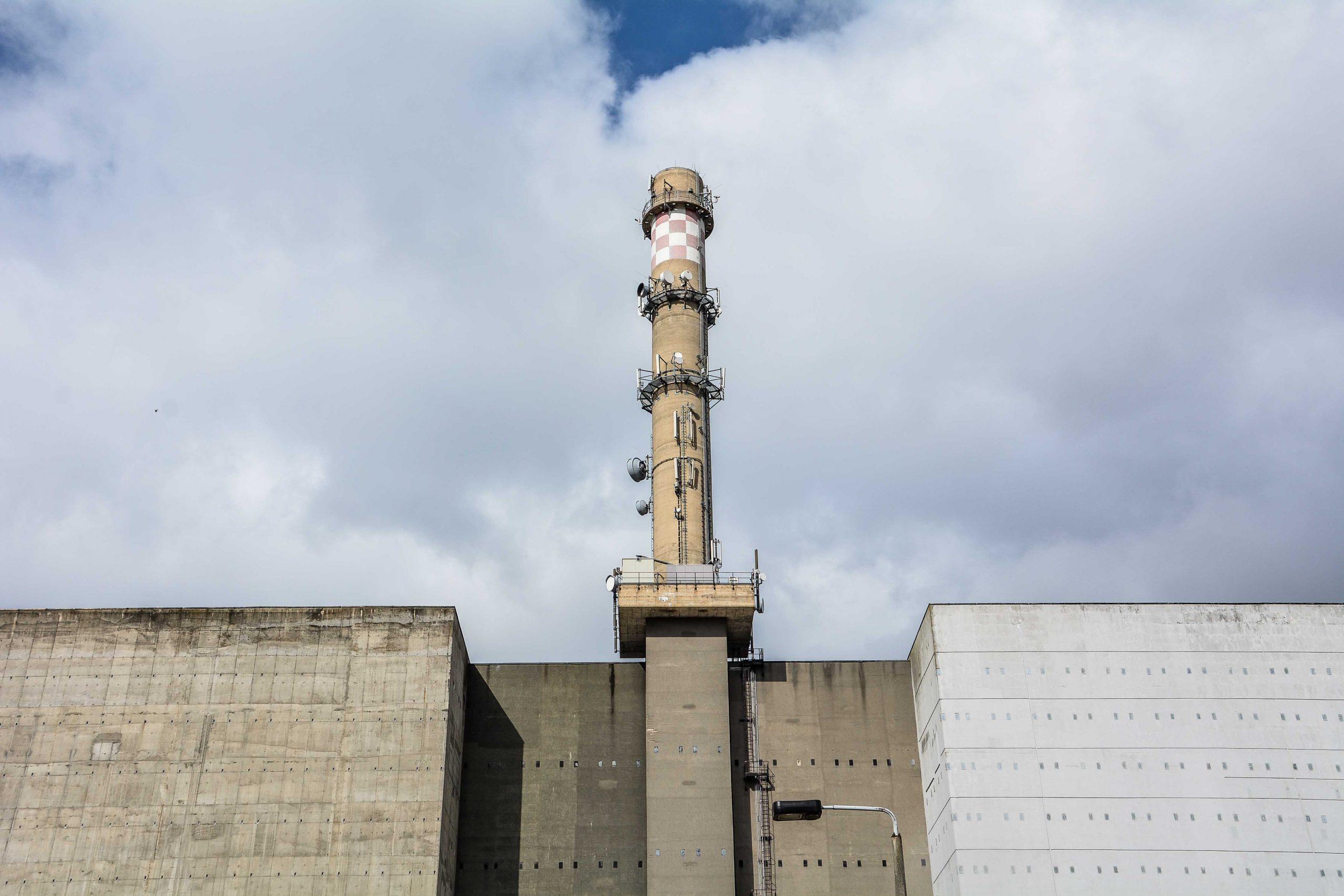 schornstein reaktor kernkraftwerk greifswald nuclear powerplant ost deutschland east germany gdr DDR mecklenburg vorpommern
