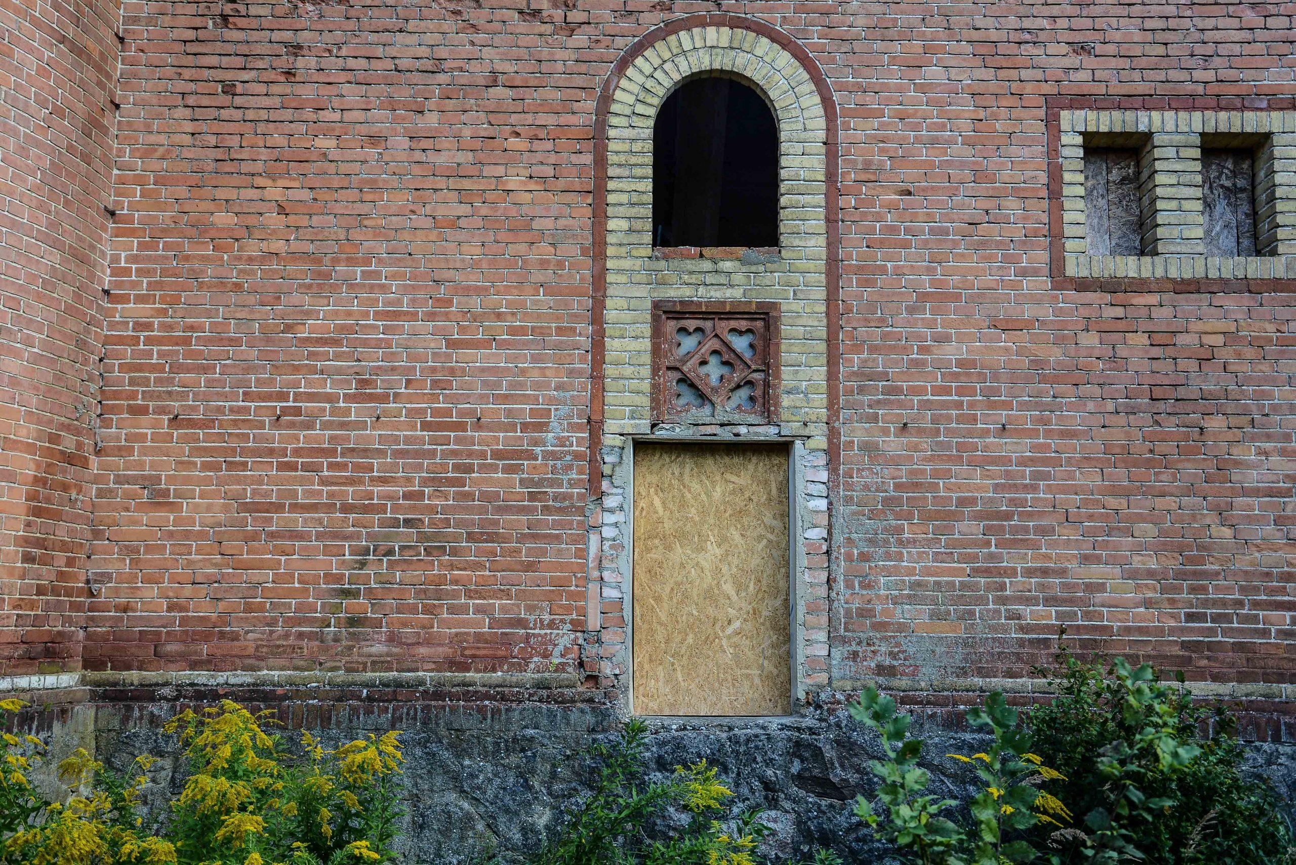 fenster details kornspeicher architektur historischer orientalismus herrenhaus gentzrode lost places brandenburg neuruppin gut gentzrode ost deutschland urbex abandoned