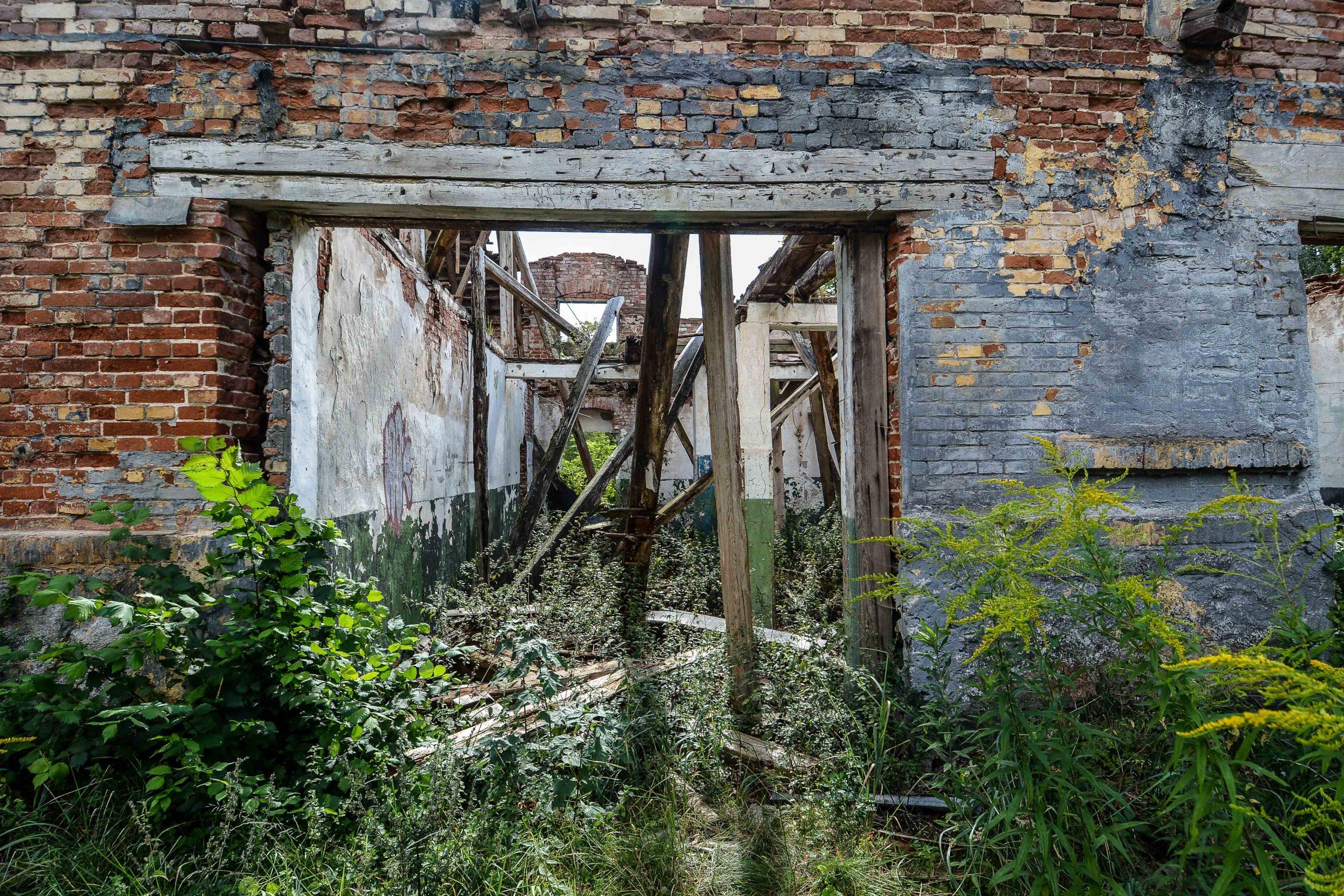 ruine pferdestall architektur historischer orientalismus herrenhaus gentzrode lost places brandenburg neuruppin gut gentzrode ost deutschland urbex abandoned