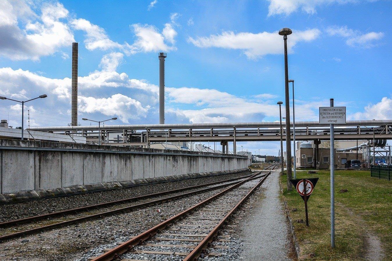 bahngleise train tracks kernkraftwerk greifswald nuclear powerplant ost deutschland east germany gdr DDR mecklenburg vorpommern.jpg
