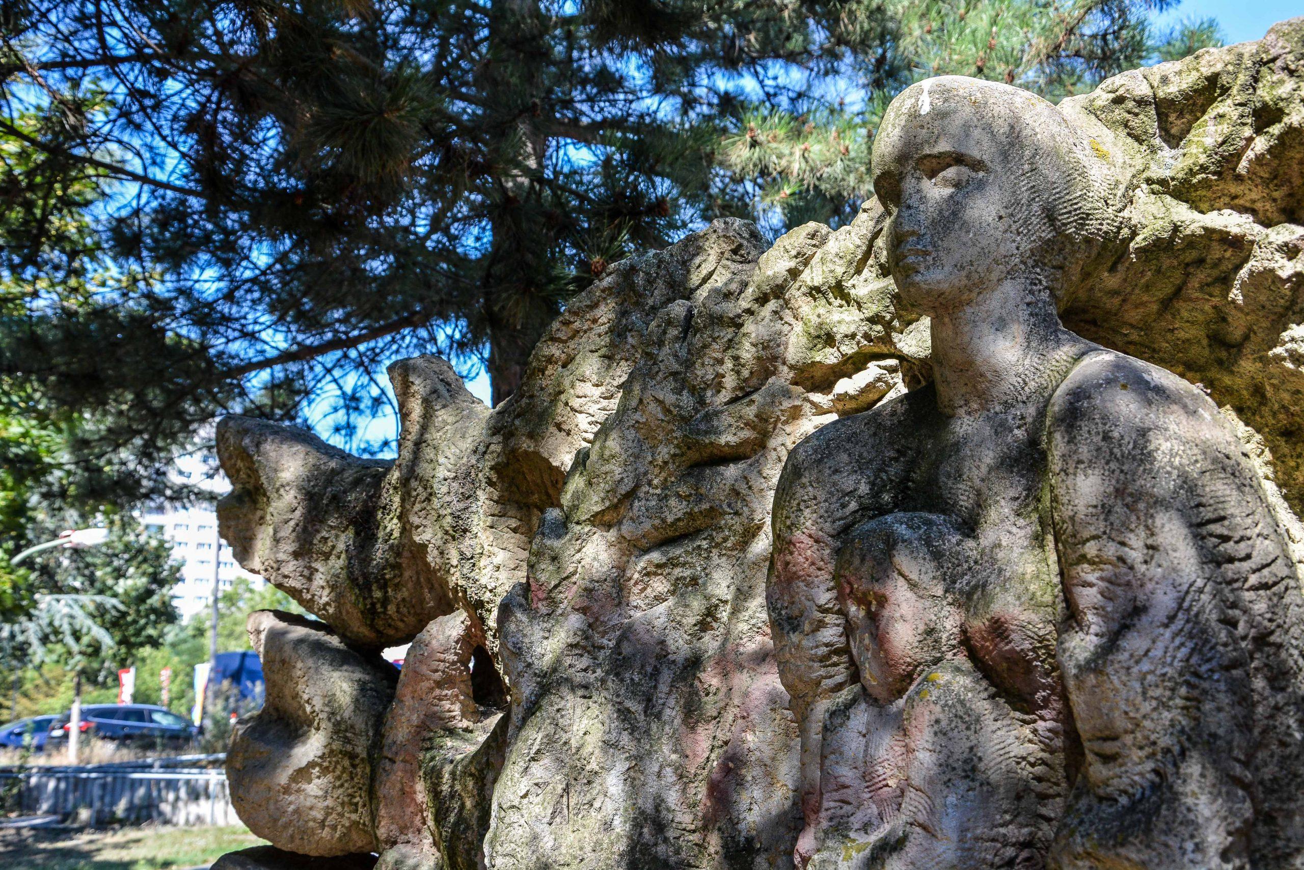 Chernobyl Memorial Berlin Lichtenberg fennpfuhlpark tschernobyl denkmal berlin deutschland juri sinkewitsch frau gesicht